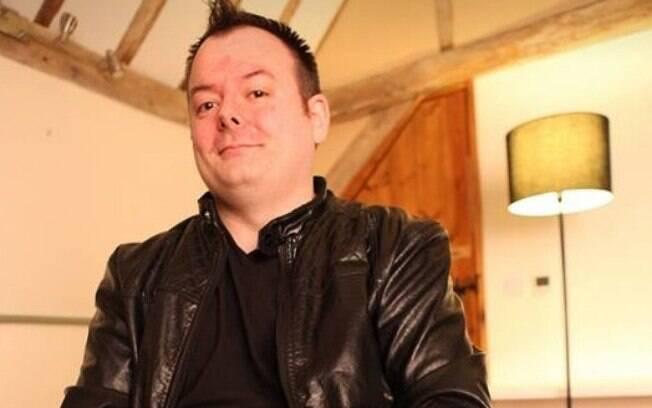 Médium britânico relatou estar sendo perseguido por fantasma de homem circense que invadiu sua residência