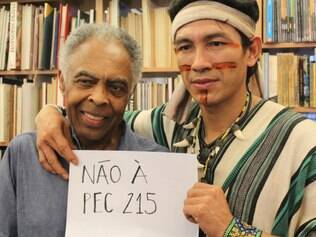 Encontro entre Gilberto Gil e Benki Ashaninka transformou o salão da Choque Cultural