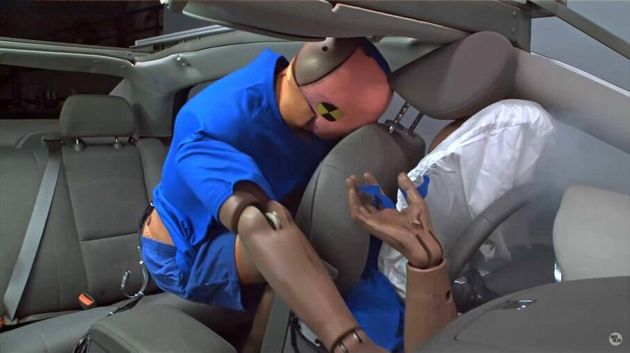 Andar sem cinto de segurança pode levar a multa grave, com 5 pontos na CNH e mais R$ 195,23