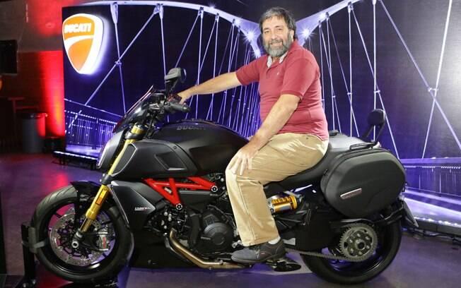 A Ducati Diavel 1260 equipada com vários acessórios, na apresentação à imprensa