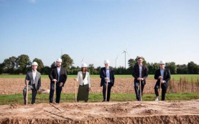 Dez mil geradores de hidrogênio verde por mês: inauguração da unidade de produção em massa de eletrolisadores da Enapter na Renânia do Norte-Vestfália