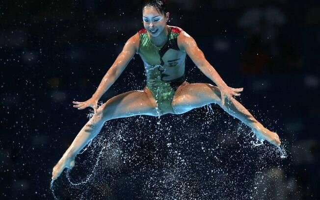 Salto da atleta do Japão na final por equipes  no Mundial