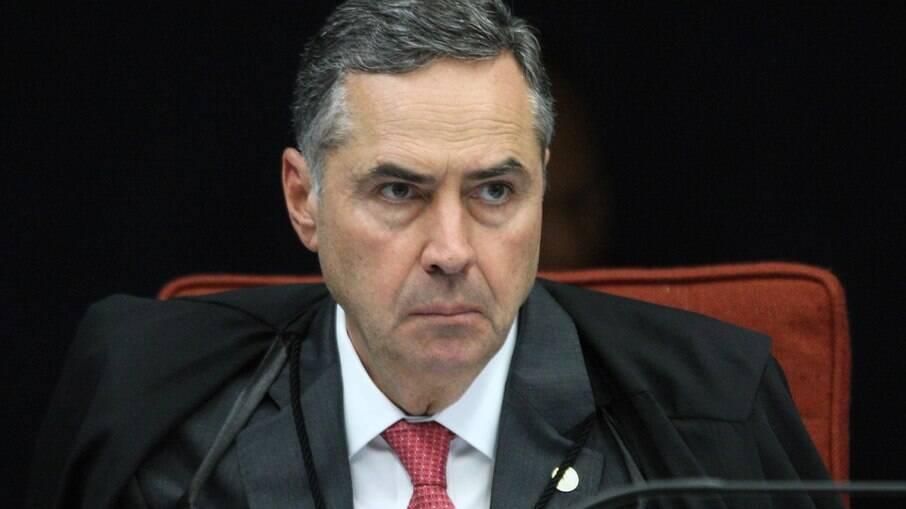 Barroso diz que 'democracia não tem lugar para quem pretenda destruí-la'
