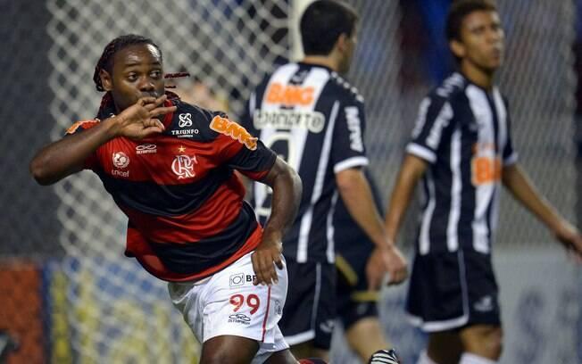 Ao longo de 2012, Love disputou 52 jogos pelo  Flamengo, tendo sido titular em todos. Marcou 24  gols