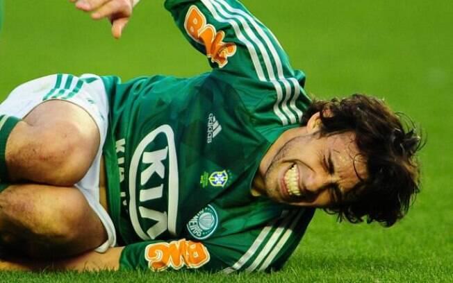 Tirone não quer ver Valdivia em outro time  brasileiro