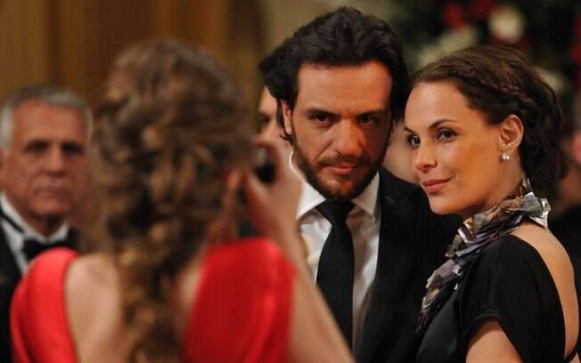 Herculano e Amanda (Rodrigo Lombardi e Carolina Ferraz): suspeitos?