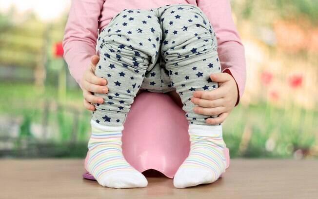 A infecção urinária em crianças é mais comum do que se imagina e os sintomas podem variam conforme a idade