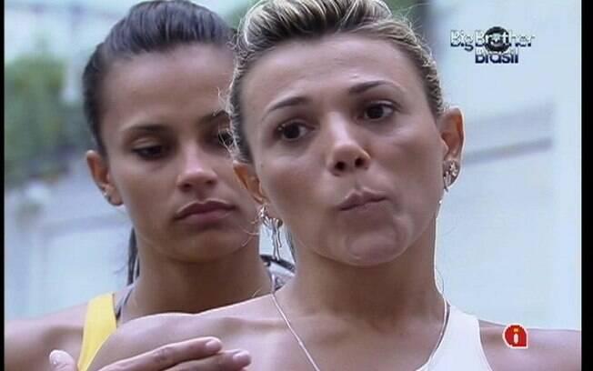 Fabiana e Kelly se arrependem de não ter votado em João Carvalho no último domingo (13)