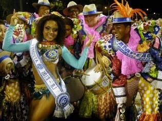 Michelle Fernandes, da Vila Isabel , é a Passista iG Rio 2013