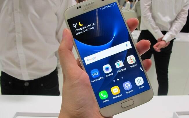 Smartphones Galaxy S7, da Samsung, foi apresentado para os usuários durante a Mobile World Congress 2016