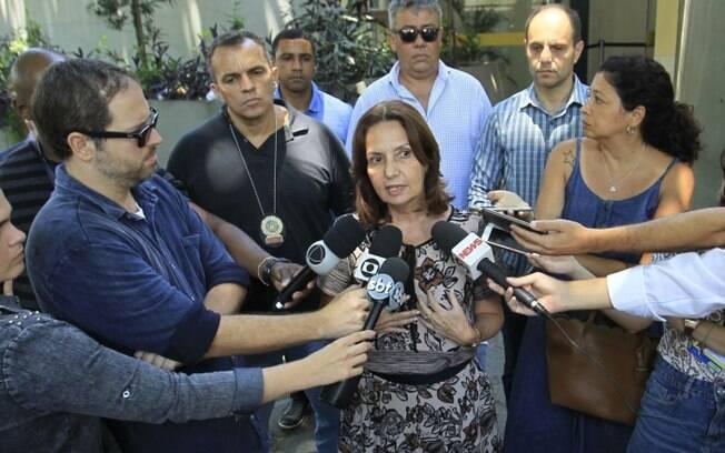 Carro que levava deputada Martha Rocha foi alvo de tiros neste domingo (13)