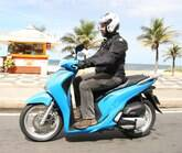 Honda SH 150i se mostra um scooter ágil e versátil no dia a dia