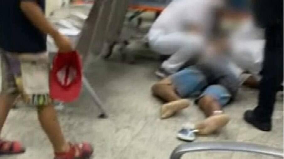 Homem morreu na fila de espera do Hospital Rocha Faria, no Rio; unidade está com superlotação