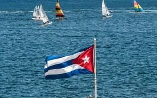 Após críticas de Bolsonaro, Cuba cancela convênio com o programa Mais Médicos