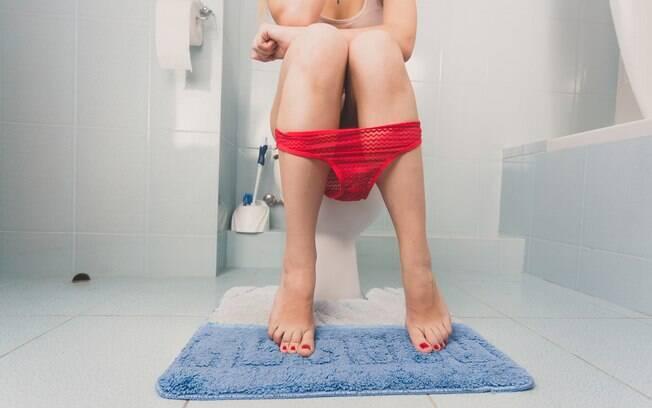 Quem usa calcinha sabe que, dependendo do período menstrual, a quantidade de secreção vaginal aumenta muito