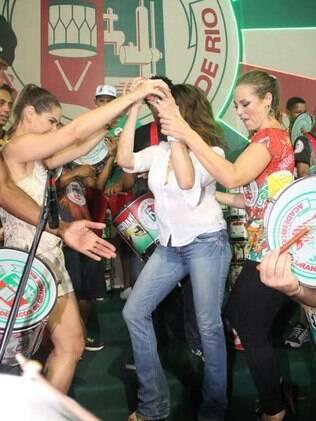 Fernanda Machado, Christiane Torloni e Paolla Oliveira no samba