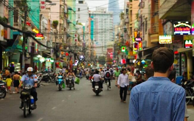 Para evitar nova onda da doença, governo chinês aumenta testagem na cidade de Wuhan