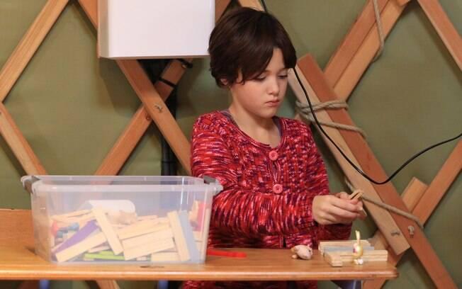 Educação Montessori tem o objetivo de proporcionar um ambiente estimulante e desafiador para as crianças
