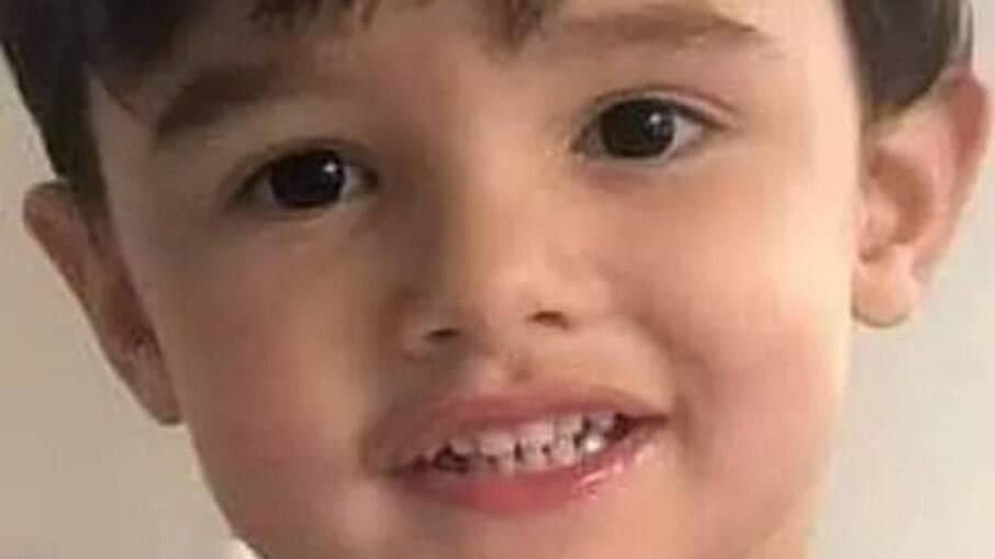 Gael de Freitas Nunes, de 3 anos, foi encontrado pela tia-avó já desacordado na cozinha do apartamento