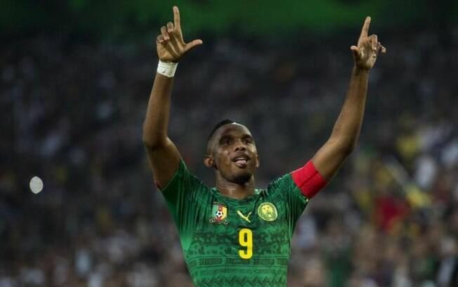 Com 37 anos, o atacante Samuel Eto'o já revela o sonho de ser treinador, mas ressalta que existe muito preconceito com técnicos negros