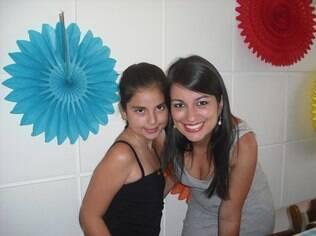 Lisandra antecipa o horário de dormir e acordar da filha Natália um pouco antes do início das aulas: