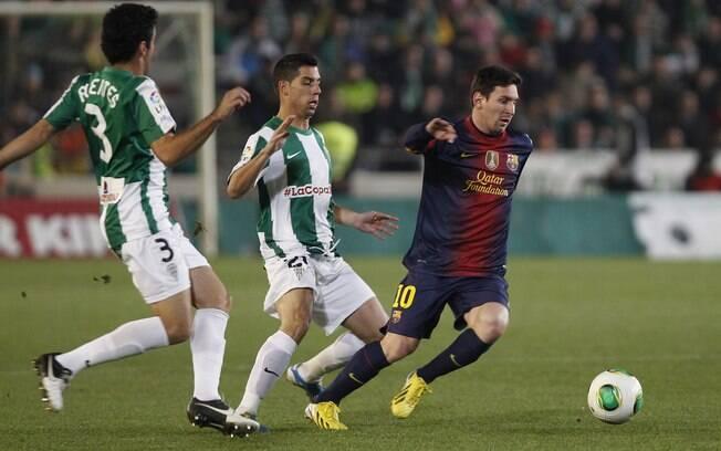 Messi parte para arrancada em ataque do  Barcelona