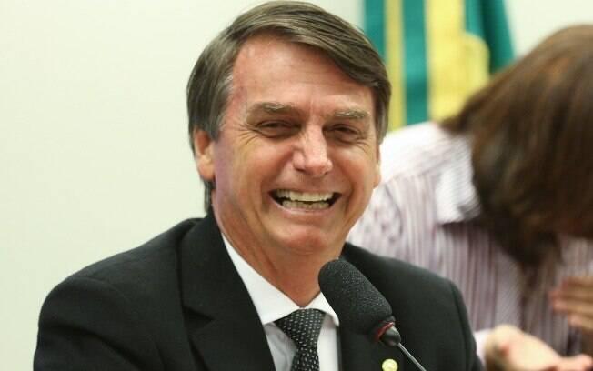 Jair Bolsonaro tem 18,3% das intenções de voto em cenário sem petista