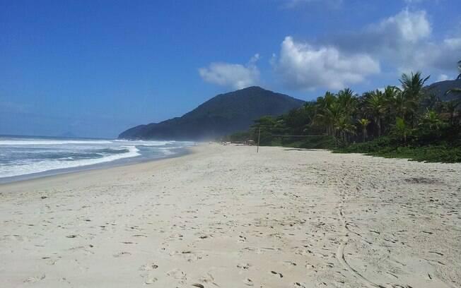 Maresias é uma das praias mais conhecidas de São Sebastião, no litoral norte de São Paulo, e é cercada de natureza