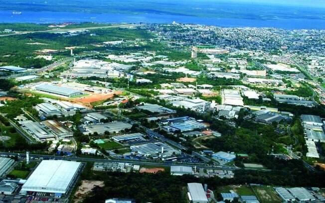 Um dia após pedido de Guedes, governo editou decreto aumentando incentivos para a Zona Franca de Manaus