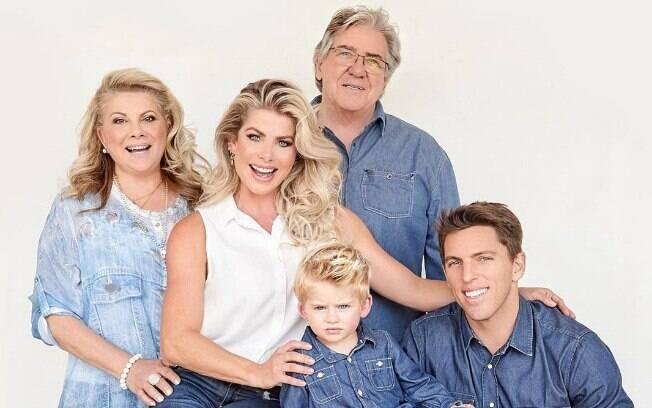 Karina Bacchi e família