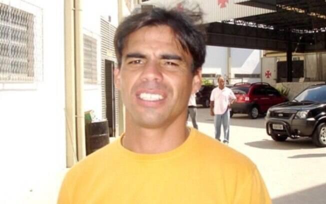 Hernande%2C ex-meia de Vasco e Botafogo
