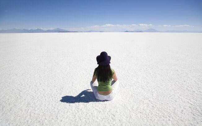 Quem busca uma opção barata de viagem ao exterior podem conhecer as paisagens incríveis da Bolívia, como o Salar de Uyuni