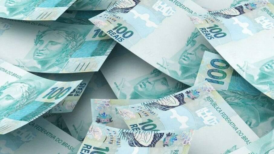 Salários de até R$ 2100