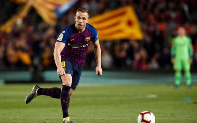 Arthur deixou o Barcelona