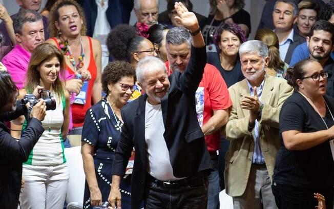 Ex-presidente Luis Inácio Lula da Silva discursa durante 7º Congresso do PT
