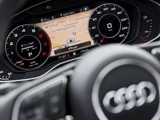 Audi A4 Avant vem com painel digital que pode ser configurado conforme o gosto do motorista