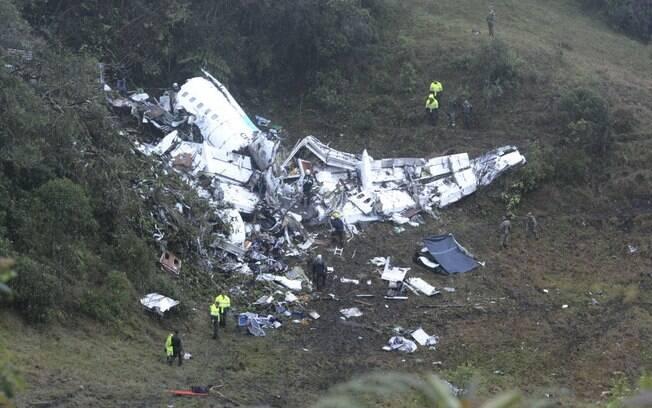 Destroços do avião da Chapecoense. Clubes brasileiros não têm estratégia de análise de risco