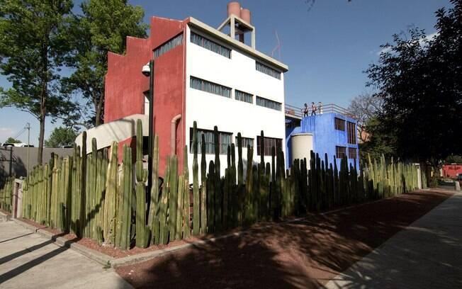 Em San Angel, a oeste da Cidade do México, você pode encontrar o Museu Casa Estudio Diego Rivera e Frida Kahlo, que foi projetado por um arquiteto, amigo do casal, e é imperdível em um roteiro de turismo no México para quem ama arte