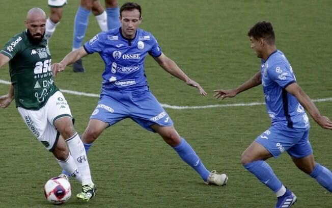 Em casa, Guarani não sai do empate sem gols com São Bento