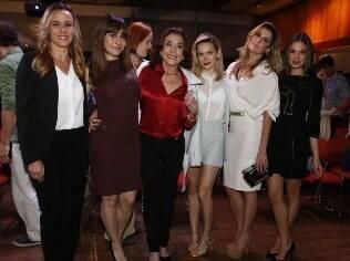 Parte do elenco feminino da novela 'Boogie Oogie'