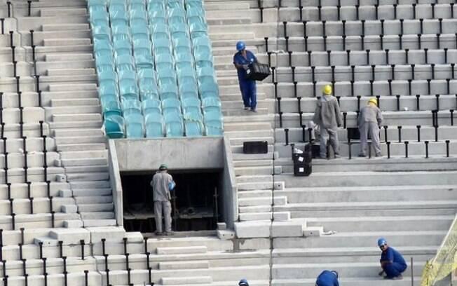Obras na Arena Fonte Nova, no mês de dezembro de 2012, em Salvador (BA)