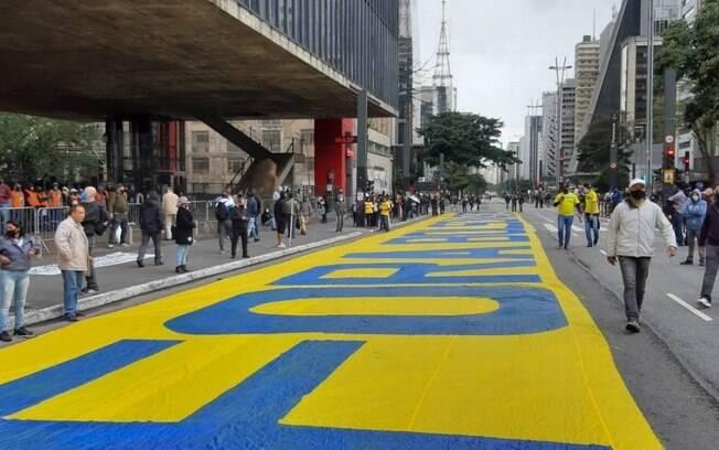 Protestos contra e a favor de Jair Bolsonaro se esvaziaram neste domingo (28)