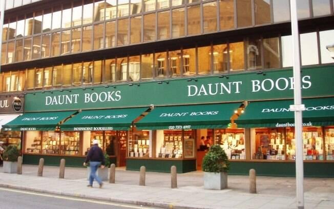 A Daunt Books é uma incrível livraria especializada em livros de viagem