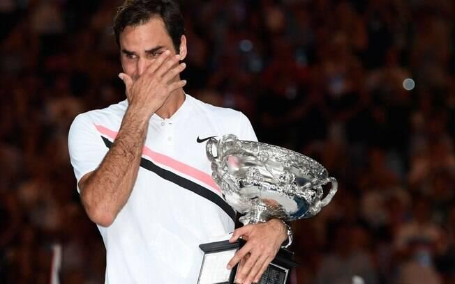 Roger Federer se emocionou muito ao conquistar o título na Austrália