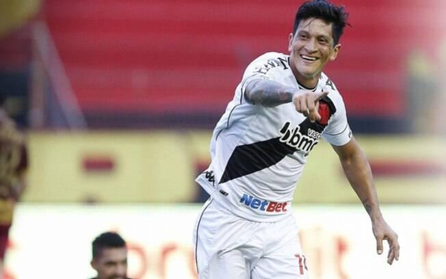 Com dois gols de Cano, Vasco bate Sport e volta a vencer no Brasileirão