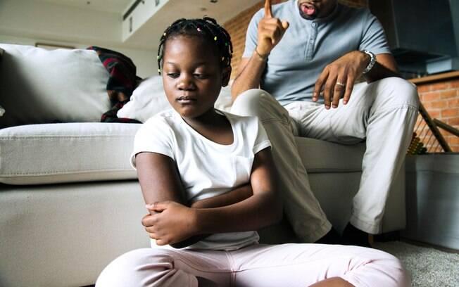 O principal motivo de discussões é quando a criança não come tudo, mas quarto desarrumado também é um problema