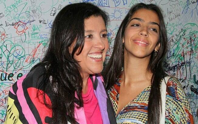 Regina Casé é mãe de Benedita, de 24 anos