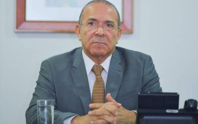 Padilha disse que é natural que a Fazenda faça com periodicidade reavaliações sobre o cenário econômico