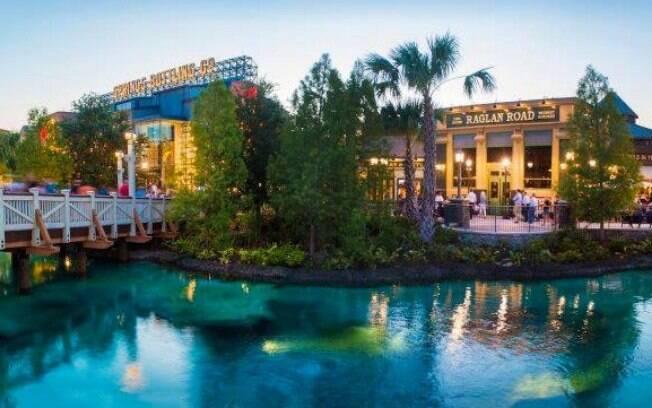 Ao viajar para a Disney, você poderá explorar o Disney Springs para fazer todas as compras que quiser nos parques