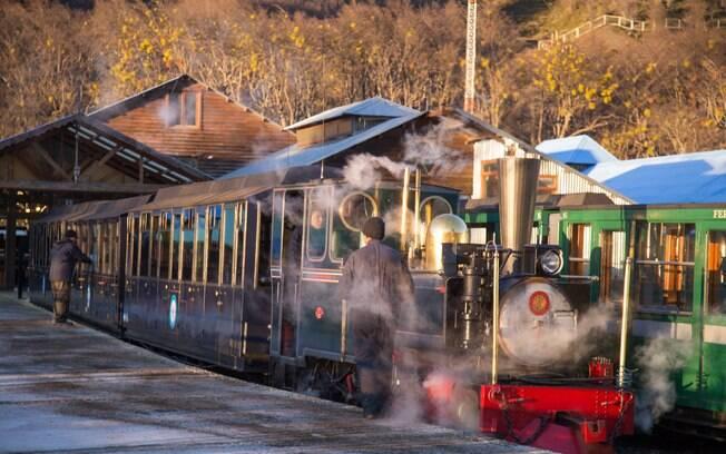 O que fazer em Ushuaia: o Trem do Fim do Mundo é um dos passeios em Ushuaia que irá te levar a pontos pitorescos de lá
